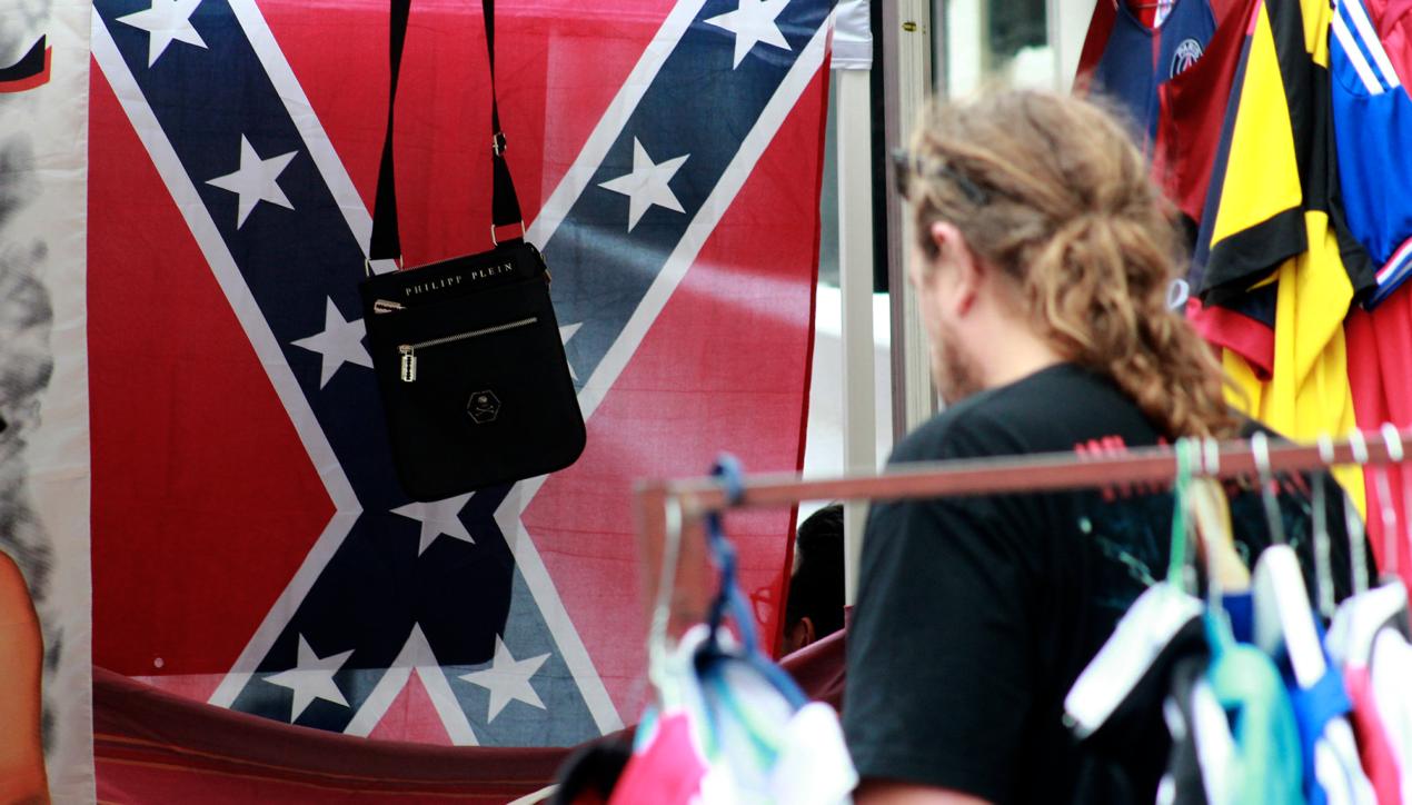 Le drapeau confédéré au troc des Chaprais