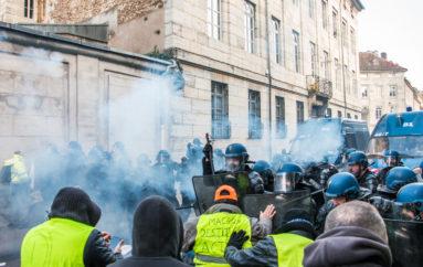 """Photo Reportage – 15 décembre, les """"Gilets Jaunes"""" à Besançon"""