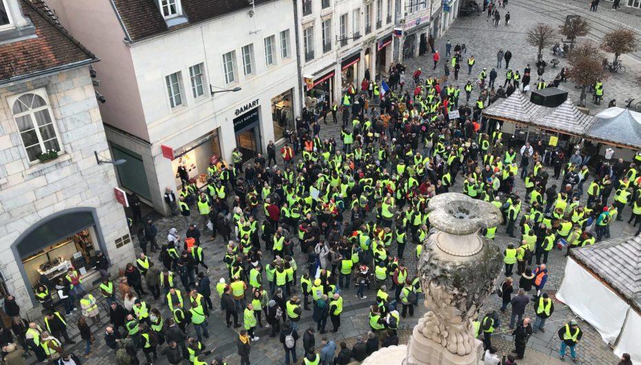 """Photo-Reportage: """"Gilets Jaunes"""" 22 décembre à Besançon"""