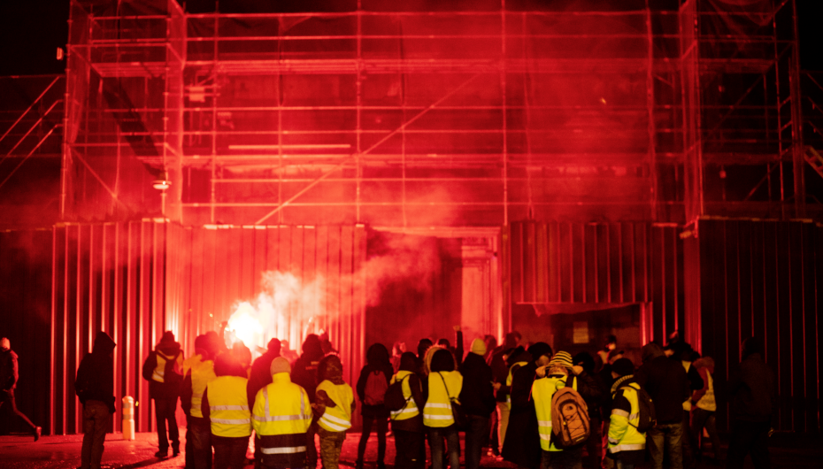 Photo Reportage – Manifestation nocturne Gilets Jaunes à Besançon