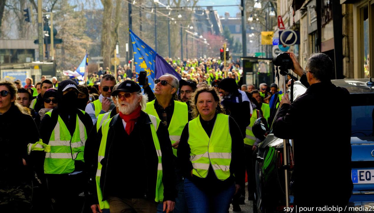 Photo reportage: Acte 15, Gilets jaunes, Besançon
