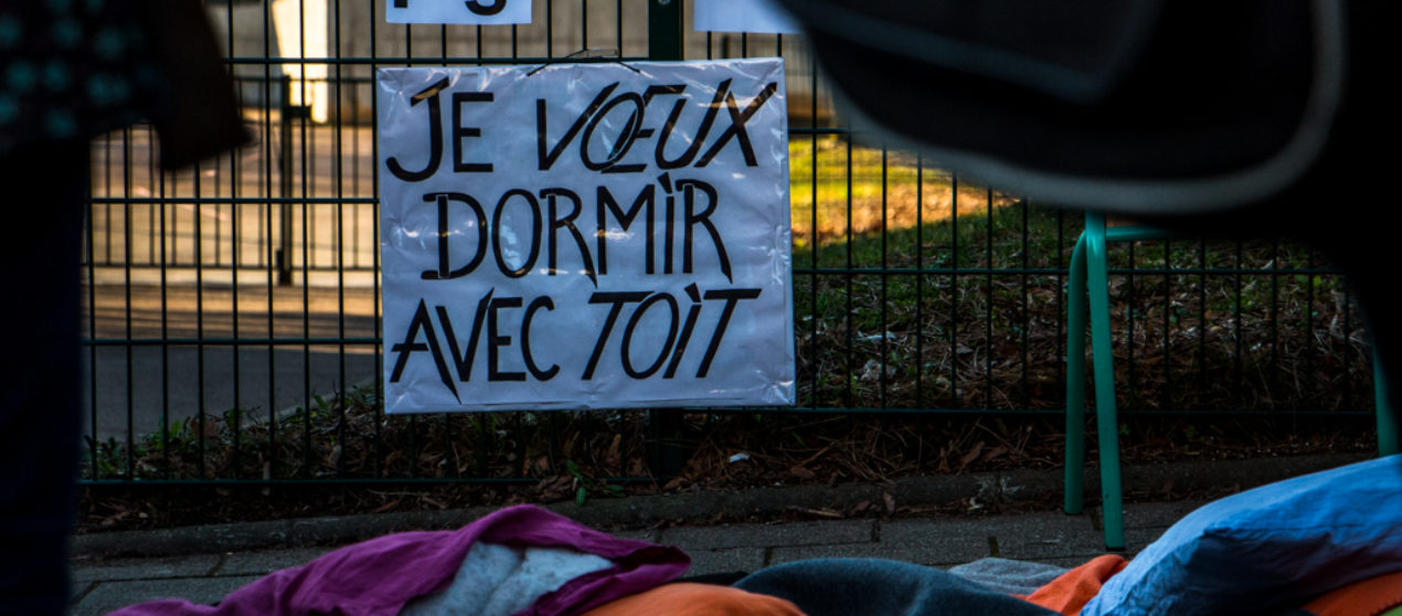 Photo reportage : Des enfants scolarisés et leurs parents mis à la rue à Besançon