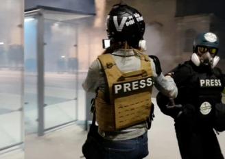 «Toi tu dégages avec ta merde là» dit le directeur de police à notre reporter