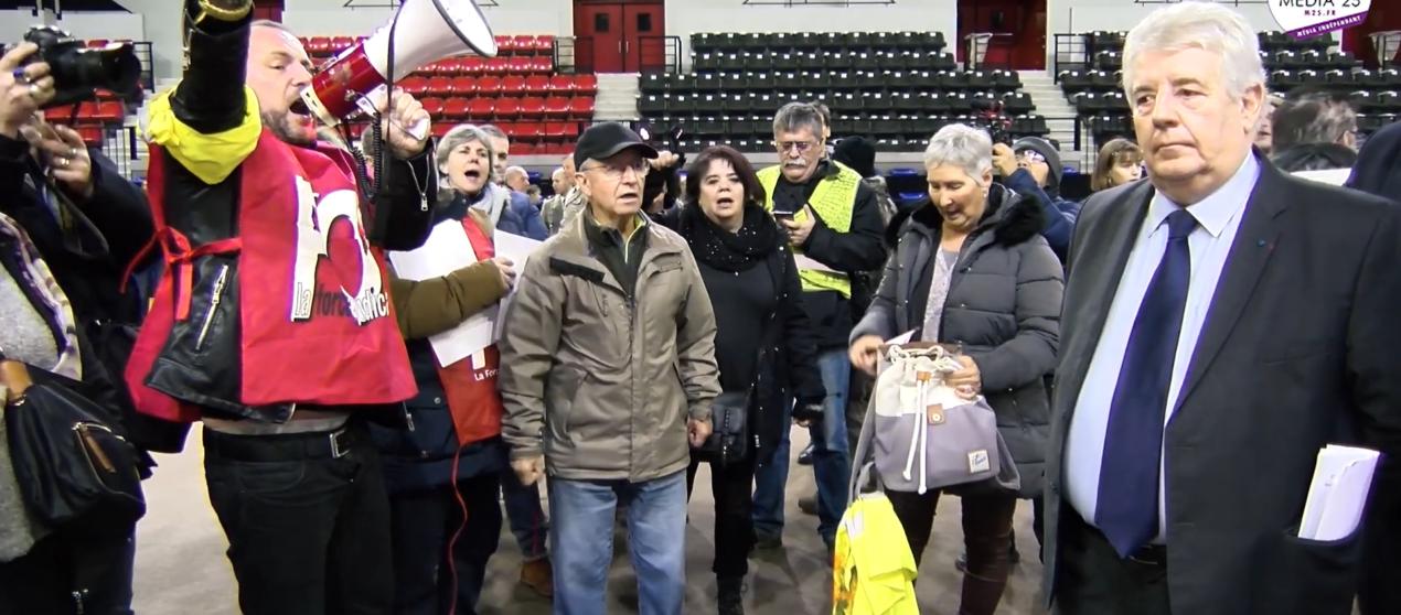 Reportage vidéo : «Élus vous avez des comptes à rendre»
