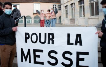 À Besançon, une prière de rue très mouvementée