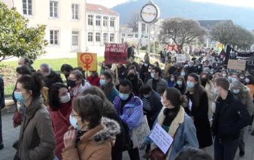 Besançon: 700 manifestant.e.s au cortège féministe
