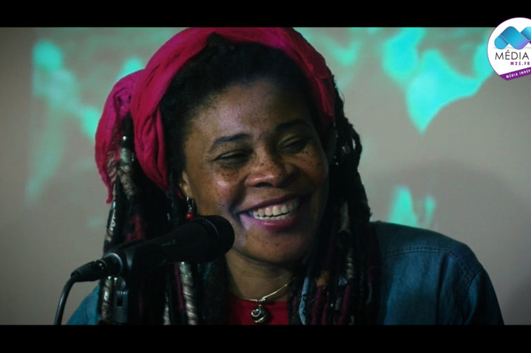 Vidéo: Sortie du nouveau album de Joyce Tape