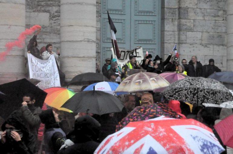 Besançon: un millier de manifestants contre la «dictature sanitaire»