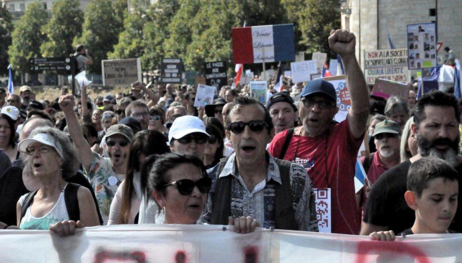 Pass sanitaire: 1 500 manifestants à Besançon
